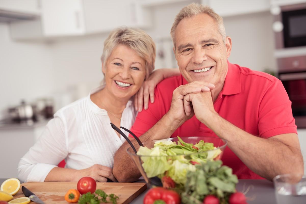 фото щасливих літніх людей після прийому ресвератрола